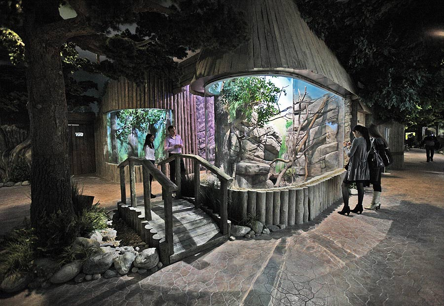 """Aviaries in the exposition """"Forests and steppes"""""""