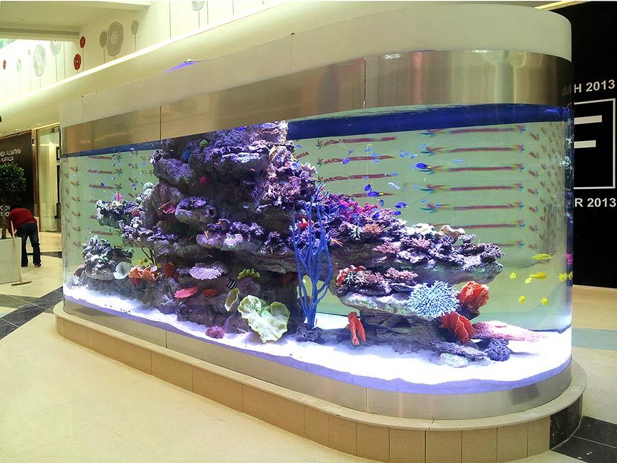 Большие аквариумы в ТРЦ Мега, Алматы